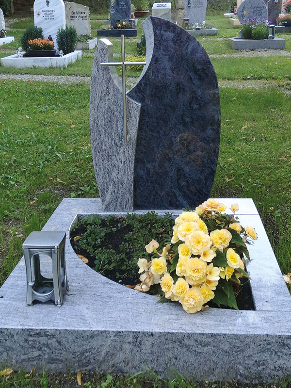 Steinmetz Landsberg Urnengrab