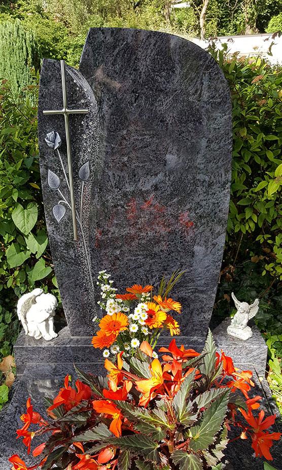 Grabstein mit Gravur